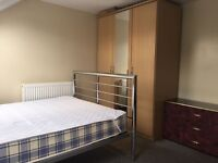 Lovely Big Double room to let Rent £400 (All bills included)