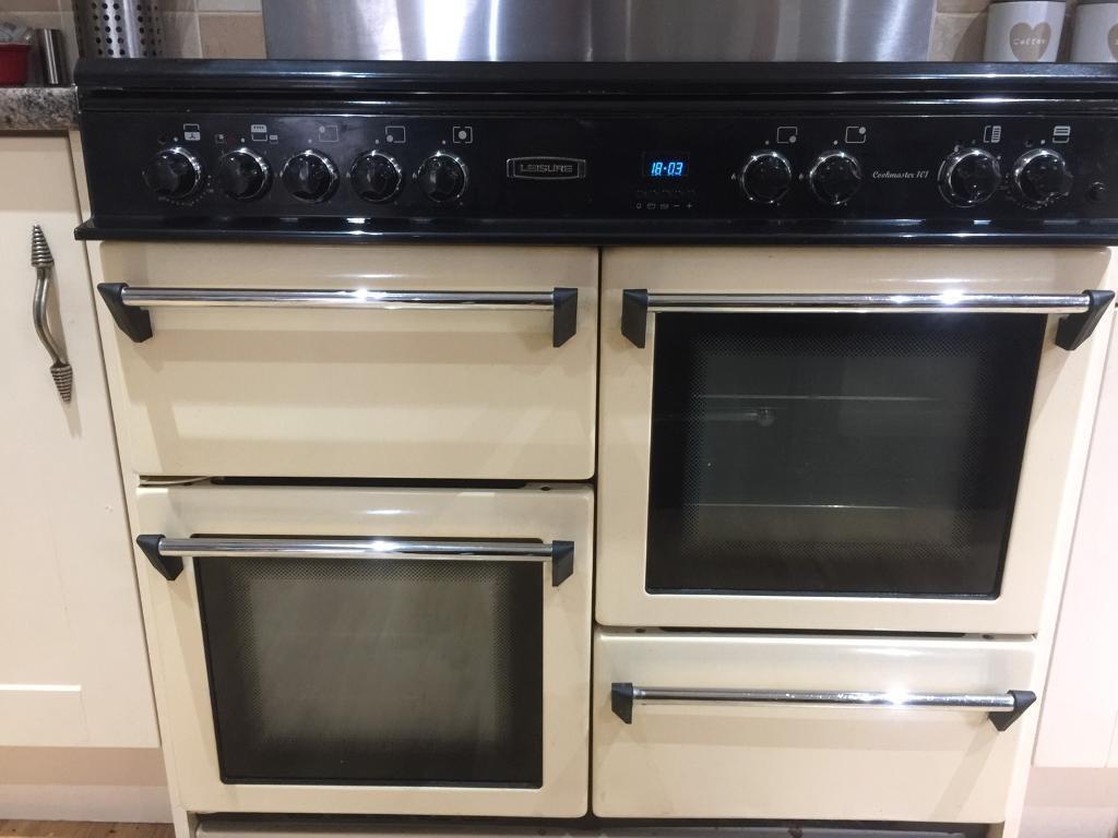 Range cream double oven and cooker hood