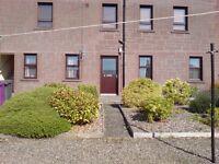 Bright 1-bedroom ground floor flat in quiet area near to Kirriemuir town centre