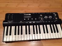 LINE 6 KB37 POD STUDIO MIDI KEYBOARD & USB AUDIO INTERFACE BUS POWERED