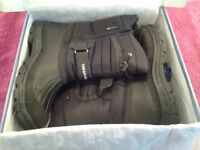 Trespass Dodo Winter Snow Waterproof Boots Black Size 8-In Excellent Condition-Proceeds To Charity