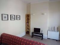 NEW !! NEW !! ---- 1 Bedroom Flat ---- DALSTON JUNCTION ------ E8 4AR ----- £323 PW -------