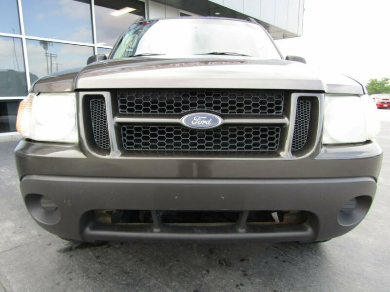 Image 2 Voiture Américaine d'occasion Ford Explorer Sport Trac 2005