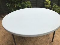 5ft plastic round banquet tables x12 barging price £350