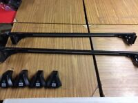 Cruz roof bars with locking cover and two keys