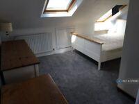 1 bedroom in Ingelow Road, London, SW8 (#976990)