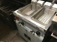 POWER FULL NEW 3 PHASE TWIN FRYER CATERING COMMERCIAL CAFE KEBAB CHICKEN RESTAURANT SHOP KITCHEN