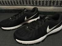 New Men's Nike trainers Size 8.5 UK