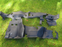 Ford Transit Rubber Mat Fits Between Wheel Arches underneath the Dashboard Genuine mk6 2000-2006