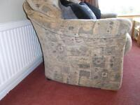 £5 Sofa, in very good condition
