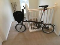 Brompton folding basket with frame and fluorescent cover