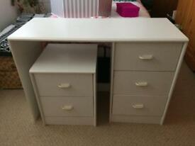 Dressing table and drawers white