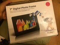 """7"""" digital photo frame in box"""