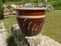 Large Ceramic Brown Garden Planter With Grass Detailing 28cm Tall