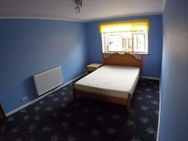 Large partially furnished double bed room to share, £350 pm (incl bills), Sydenham, Leamington Spa