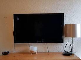 """Samsung LED 40"""" Flat Screen TV"""