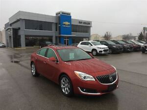 2014 Buick Regal CXL ~ LEATHER ~ HEATED SEATS ~ SUNROOF!!