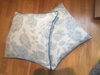Classic cushions x2