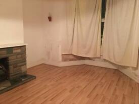 3 bedroom 2 reception house to rent in Ilford Part DSS accepted
