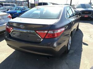 2015 Toyota Camry LE/ CLEAROUT!/PRICED FOR AN IMMEDIATE SALE !! Kitchener / Waterloo Kitchener Area image 9