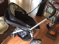 Quinny Buzz pram w/ FREE rain cover and newborn attachment