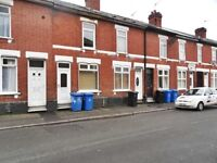 **QUICK** IMMACULATE 2 BED TERRACED ON ALMOND STREET!! £475!