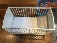 Baby thite cot Ikea with mattress