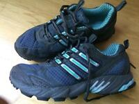 Adidas trainers size 5 basically new
