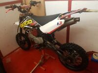 ROAD LEGAL 2010 PIT BIKE REG AS A 125 WITH A 140 ENGINE MX AND SUPERMOTO WHEELS MOTED