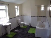 ST6/ Tunstall. Double with Shower. All inclusive. Internet. Cleaner