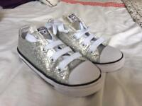 Infant uk 9 silver glitter converse all star