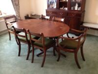 Mahogany veneer dining table with 6 chairs