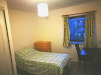 Double single room whole flat to let rent close to KB royal informary for students / Professional
