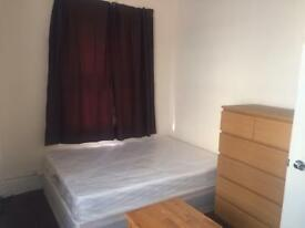 Large Room To Rent In 3 Bedroom House