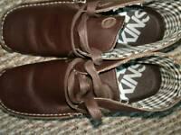 Brown deakin boots size 7