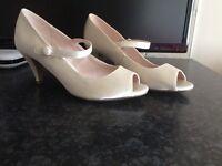 Beautiful ivory bridal shoes, size 4, brand new