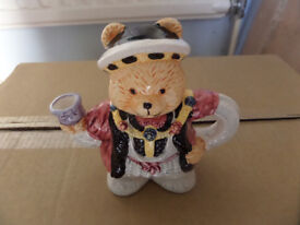 New in box Henry VIII decorative teapot