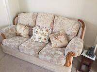 3 piece suite for sale in very good condition
