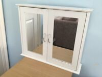 White Mirrored Wall Bathroom Cabinet with Adjustable shelf H18.5in/46cm W22in/56cm D5.5in/13cm
