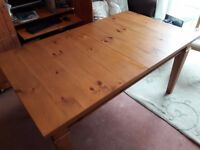 Italian Pine Dining Table and 5 Oak chairs (Black cover on chairs are peeling a little )