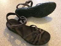 TEVA KAYENTA sandals Size6