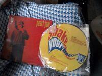 2 vinyl. Pearl jam go & jungle brothers