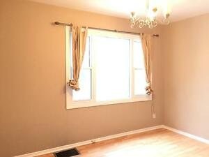 11739-122 Street - ALL INCLUSIVE! FREE RENT! 2 bed main floor! Edmonton Edmonton Area image 3