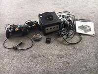 Gamecube, 2 controllers, memory card and Mario kart Double Dash