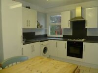 2 bedrooms left in 5 bed student house, Grafton Road, 10 mins walk from university.