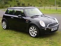 Mini One in gleaming black -twin panoramic roof-17 inch alloys