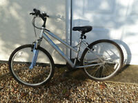 Ladies Mountain Bike in mint condition, front suspemsion and 24 speed Shimano gears