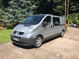 Renault Trafic LWB with Crew Cab