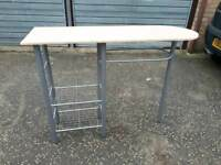 Small lightweight nail bar/table. Delivery available