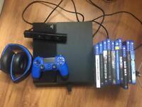 PlayStation 4 (2TB) + extras